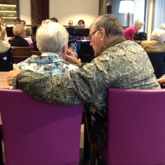 Oktoberfest is ook hier gevierd. Deze mensen zijn 52 jaar getrouwd.